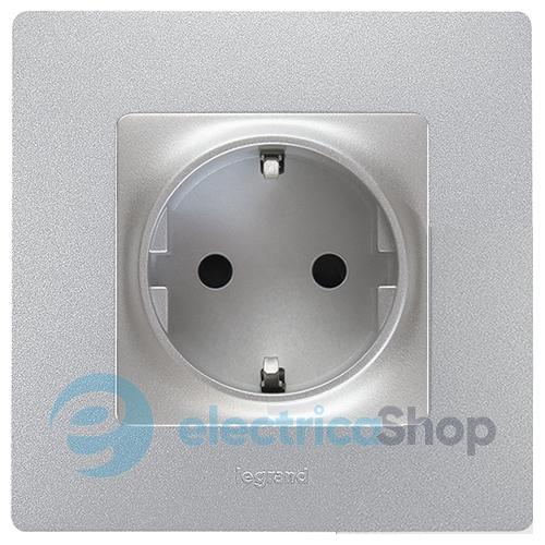 Розетка электрическая с заземлением Legrand – «Etika», с защитными шторками  цвет алюминий c1530927773